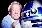 """《星球大战》""""R2-D2""""机器人扮演者去世"""