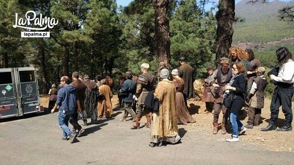 《巫师》电视剧大量片场照泄露 大量群演亮相、衣装还原到位